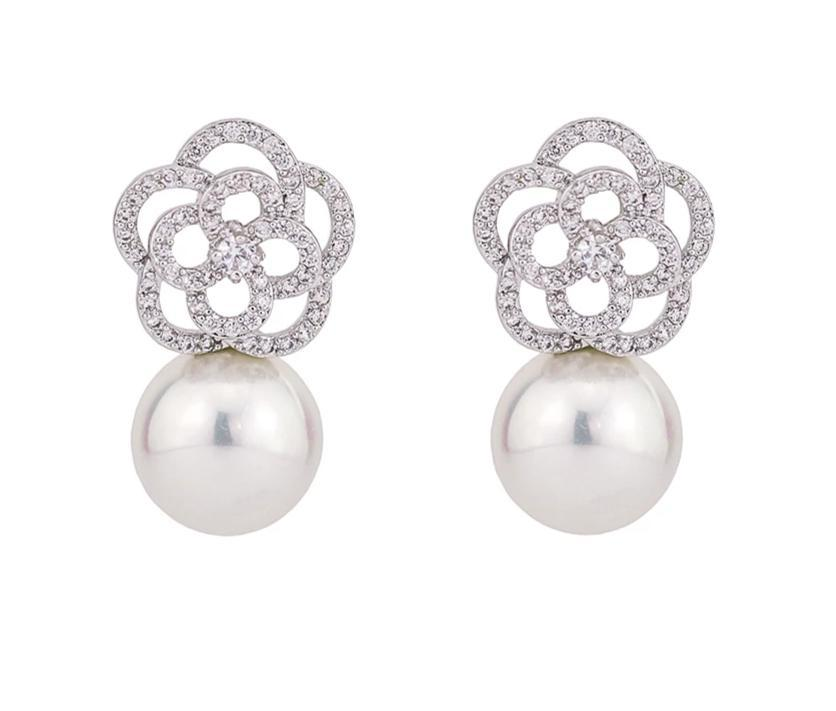 Drop Earrings With Cultured Freshwater Pearls - HNS Studio