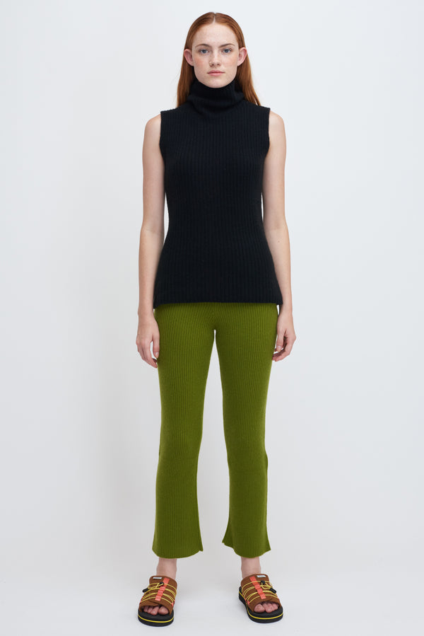 Medium Ribbed Flared Pants