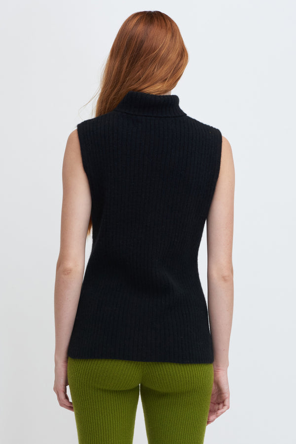 Easy Turtleneck Vest