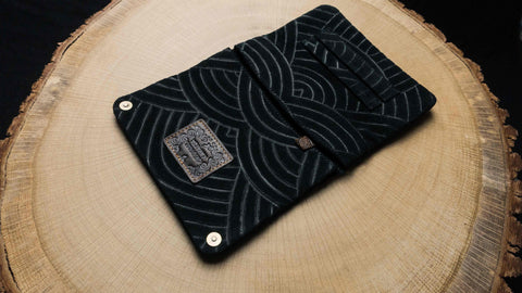 "Tobacco Pouch ""Black Rainbow"""