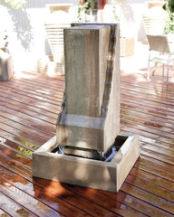Scallop Monolith Outdoor Fountain - Soothing Walls