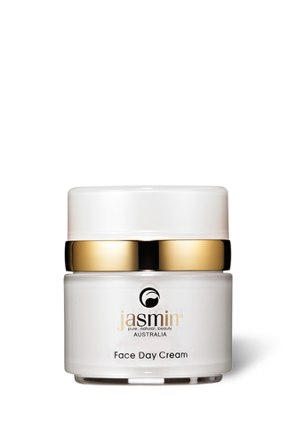 This multi-active luxurious Day Cream
