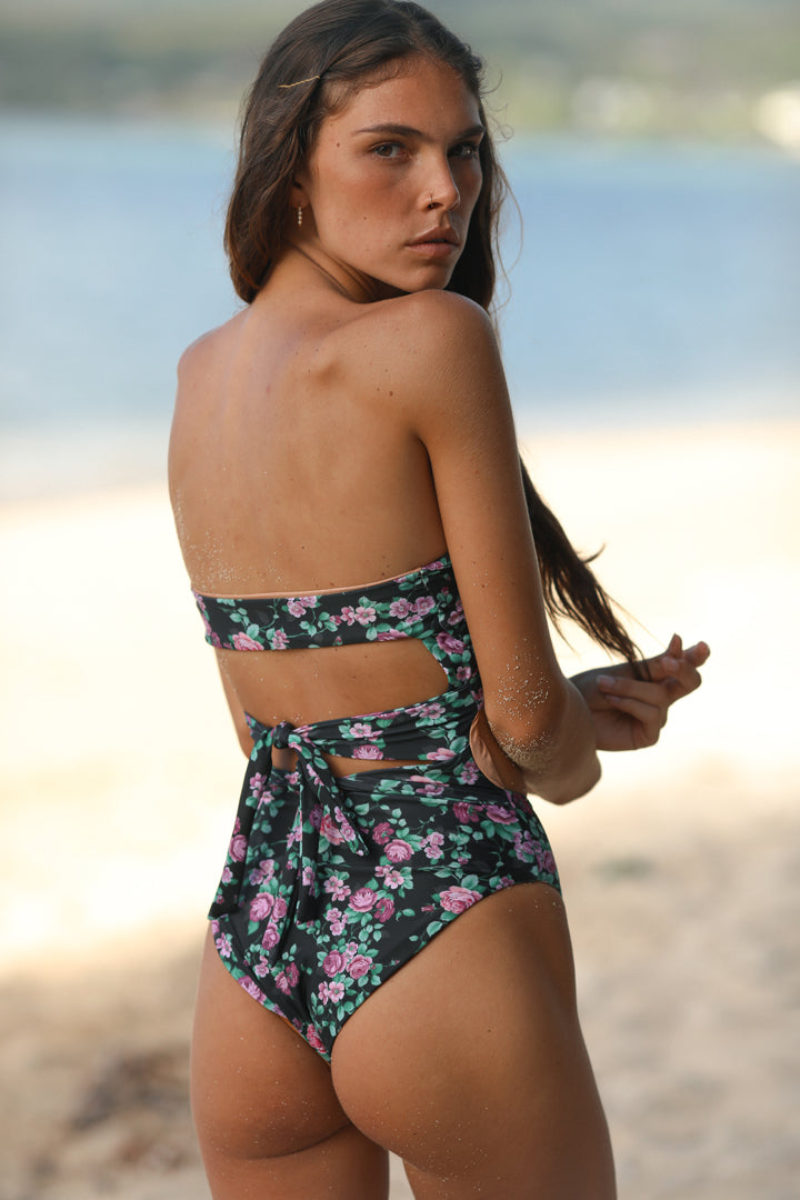 LOGAN ONE PIECE - ECO ROSE GARDEN