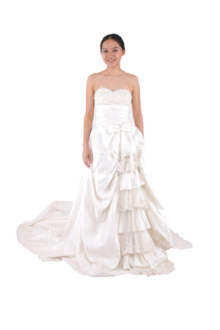 LONG TAIL WITH RIBBON WEDDING DRESS