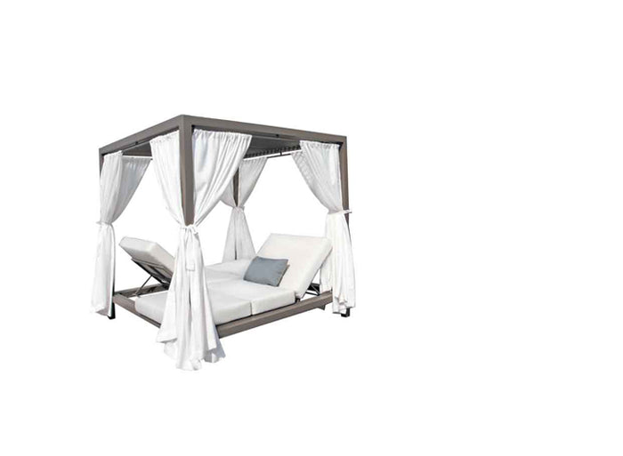 Gianna Canopy Bed