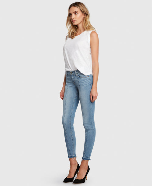 Principle DREAMER in Walk the Line center seam light wash skinny side