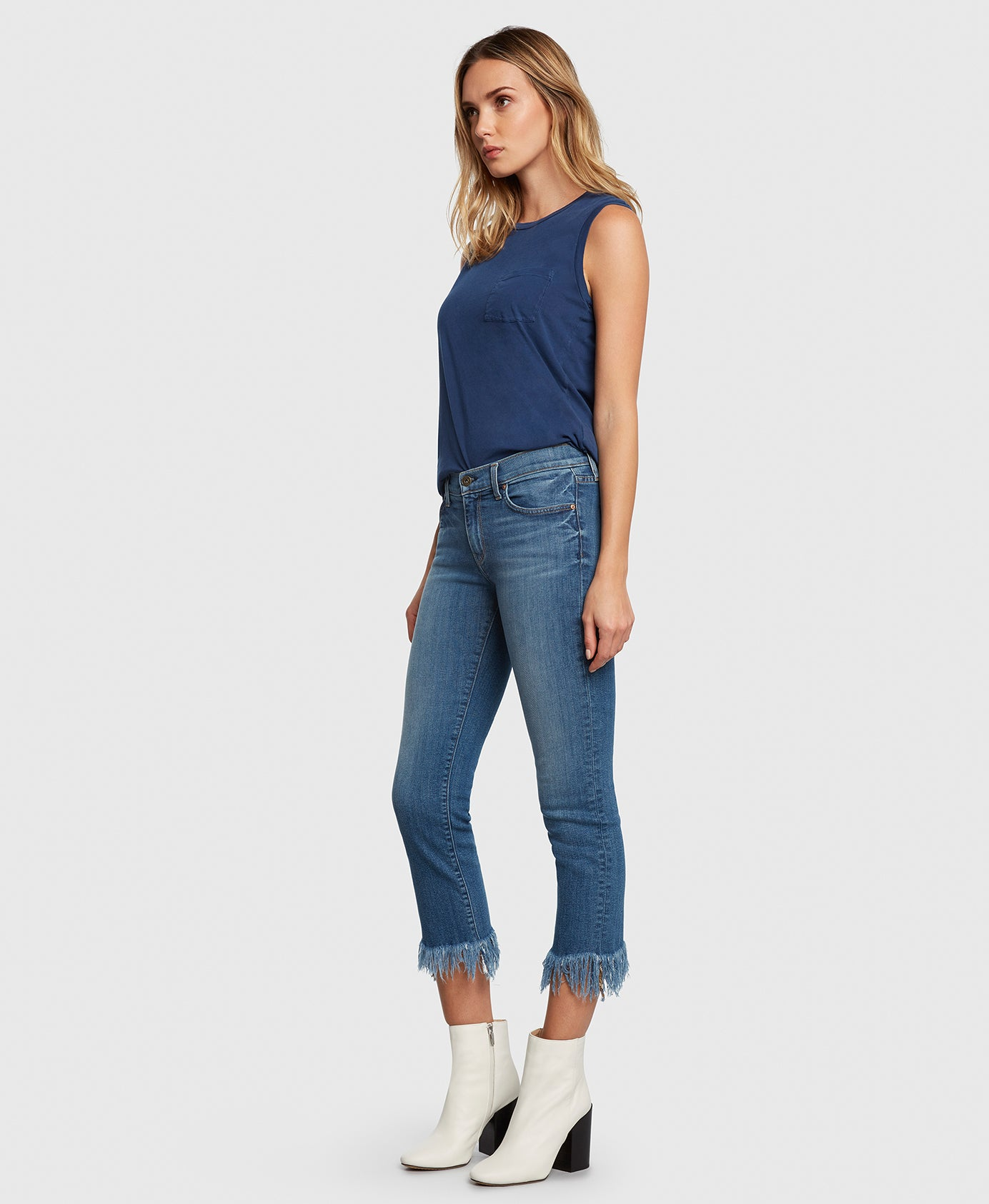 Principle OPTIMIST in True cropped jeans side