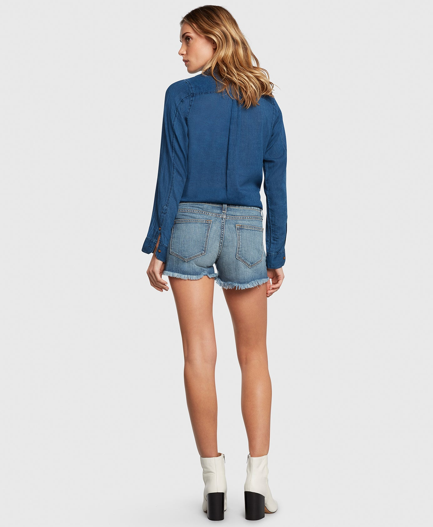 Principle WANDERER in Vacation denim shorts back
