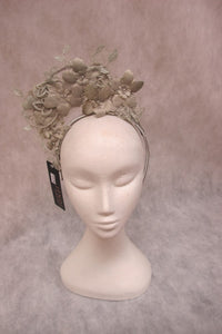 jendi fascinator in a mist finish