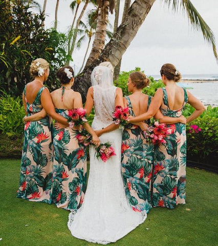 Image via https://www.showmeyourmumu.com/shop/mumu-wedding/bridesmaids