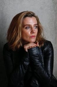 Lisa Dwan - And So It Continues