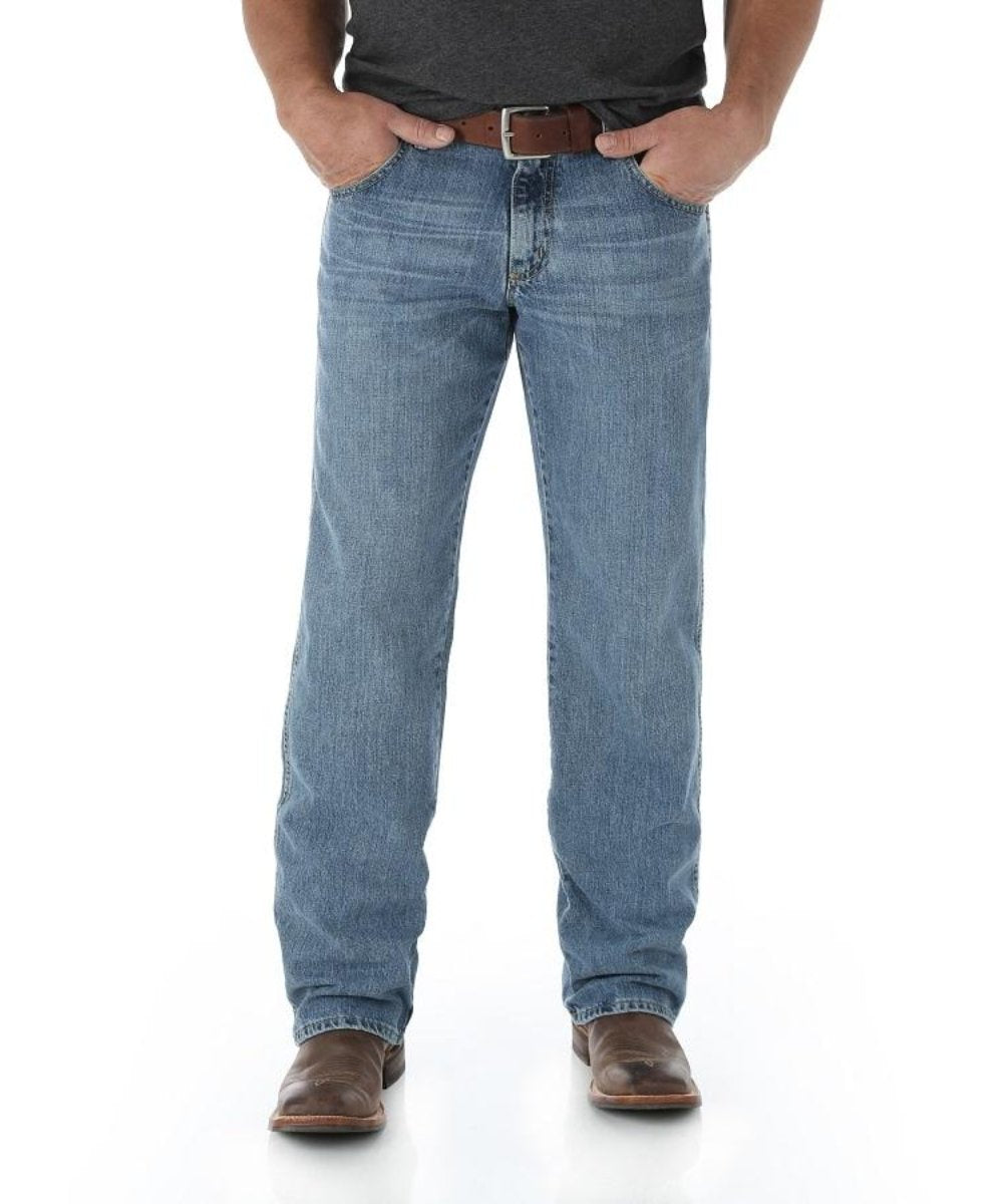 Wrangler Men's Retro Relaxed Straight Jean- Style #WRT30BD