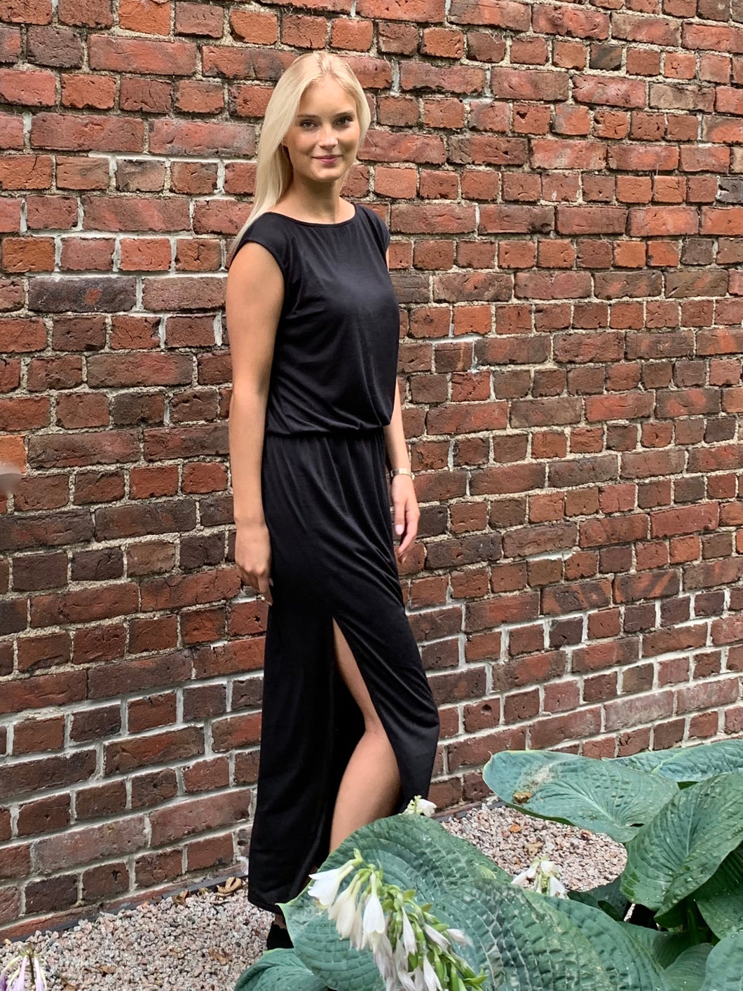 Dubai - black maxi t-shirt dress