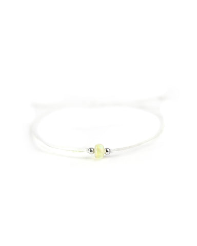 .... Weißes Everyday Companion Armband mit Welo Opal .. White Everyday Companion Bracelet with Welo Opal ....