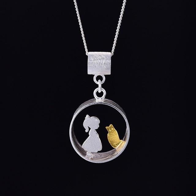 Necklace with cat pendant style