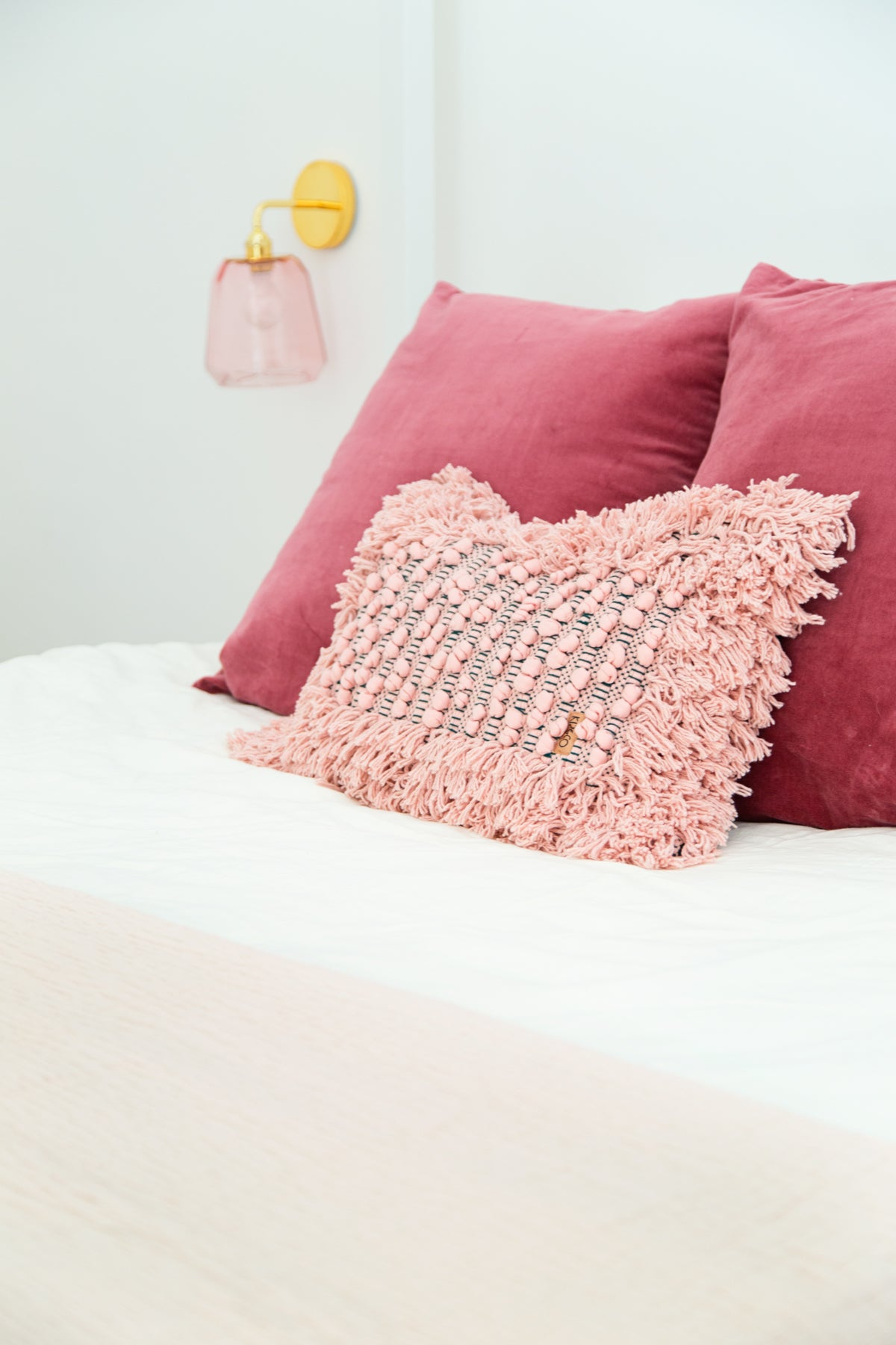 Blogger Kelly Mindell of Studio DIY Master Bed Pillows on Allswell Mattress