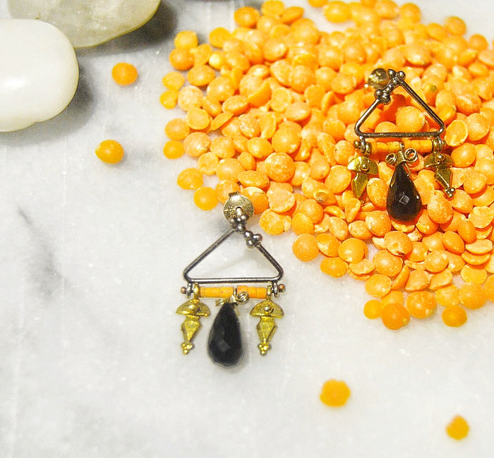 Pazar Peach and Onyx Beaded Earring