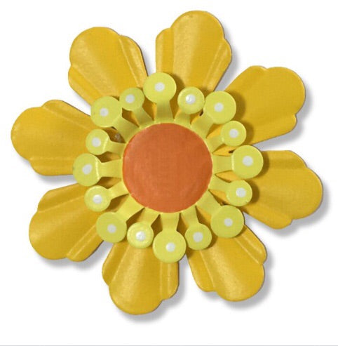 Flower Dimensional magnet yellow