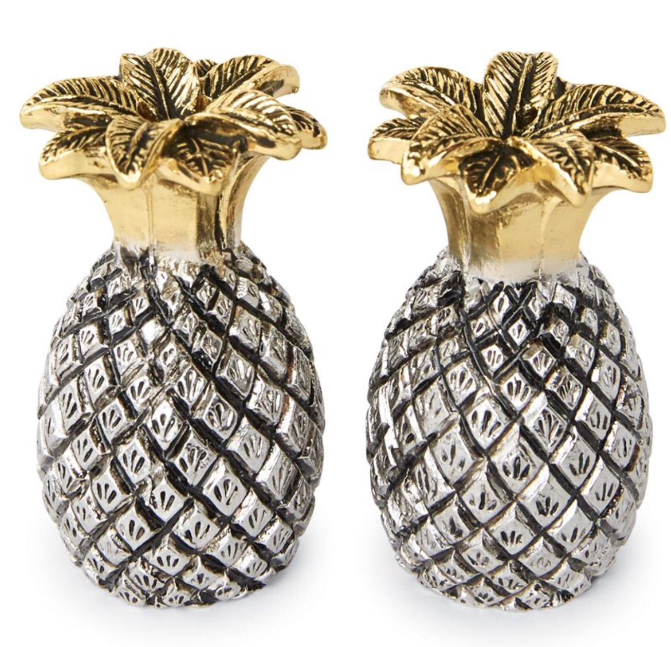 Pineapple salty &pepper shakers