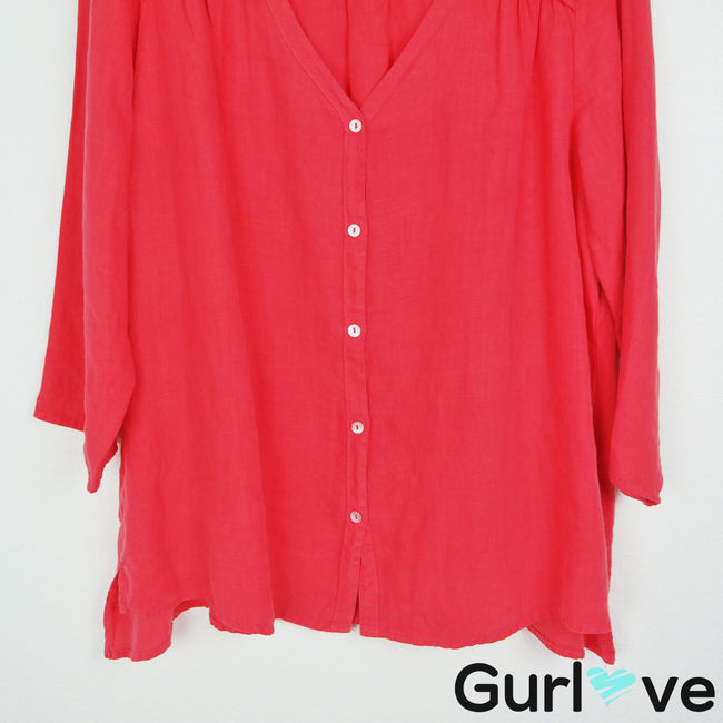 Cut Loose Red Coral 3/4 Sleeve Button Top Size L