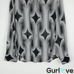 Vince Camuto Size M Black Printed Long Sleeve Button Blouse