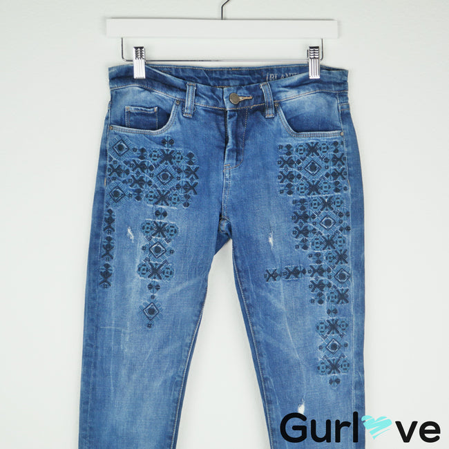 BLANK NYC Embroider Distressed Skinny Jeans Size 25