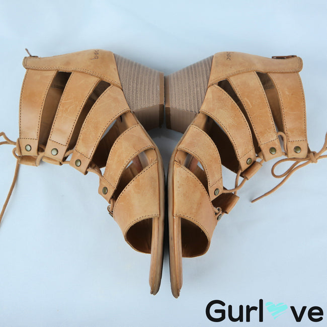 B.o.c Born 9 M Tan Lace Up Low Heel Sandals