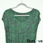 The Podolls Size M Green V Neck Clover Grains Tee