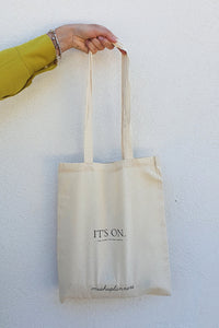 Tote bag with graphic