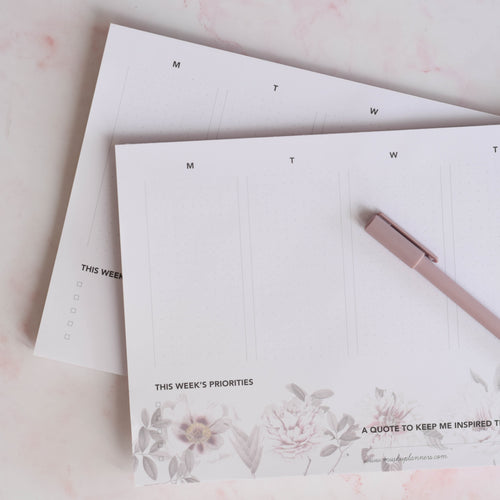 Weekly Notepad with flowers