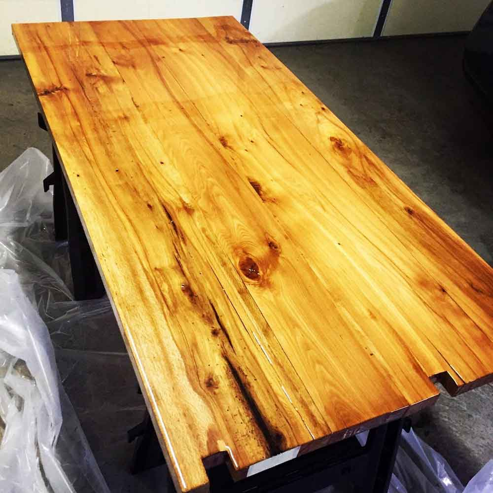 Epoxy Paint For Wood : Crystal clear bar table top epoxy resin coating for wood