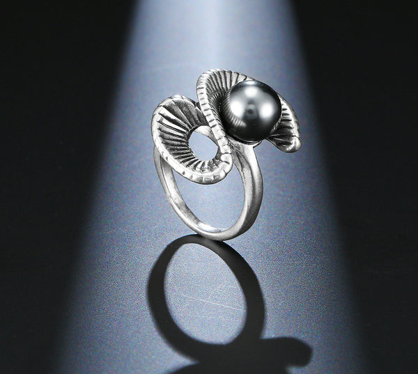 Retro Silver And Black Pearl Ring - seraie