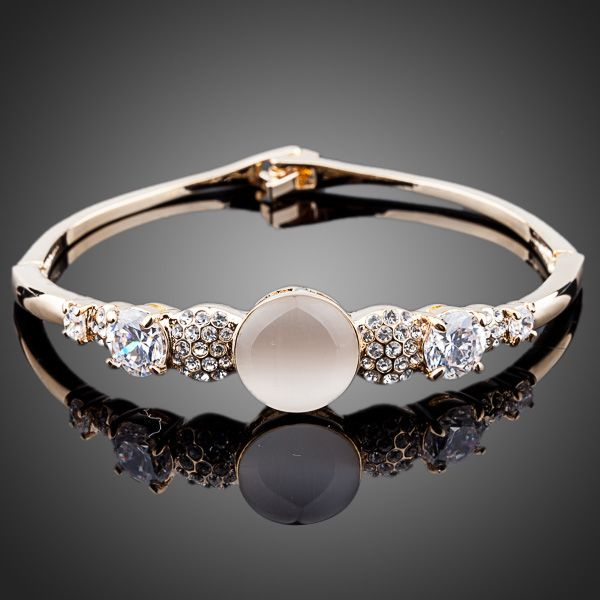 Sparkling Cubic Zirconia Cat's eye Bangle Bracelet - Arista Gems