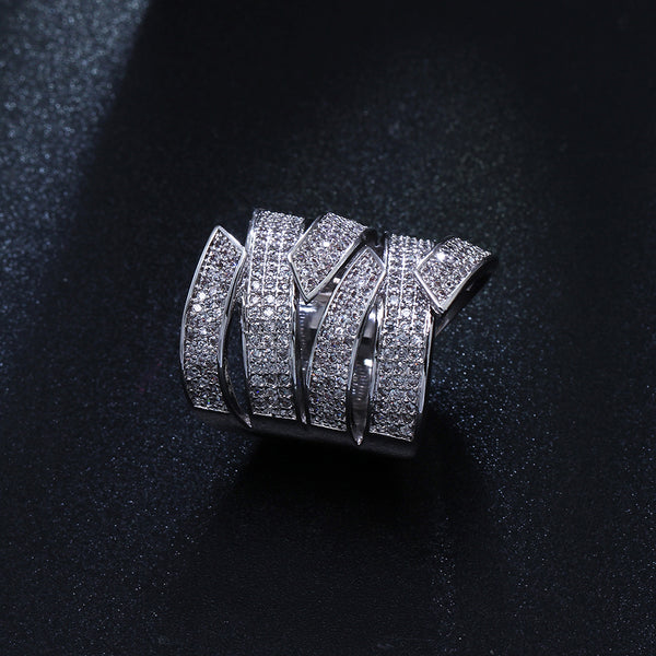 Luxury Design Crystal Wide Ring - seraie