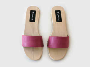 PINK SUMMER CLOGS