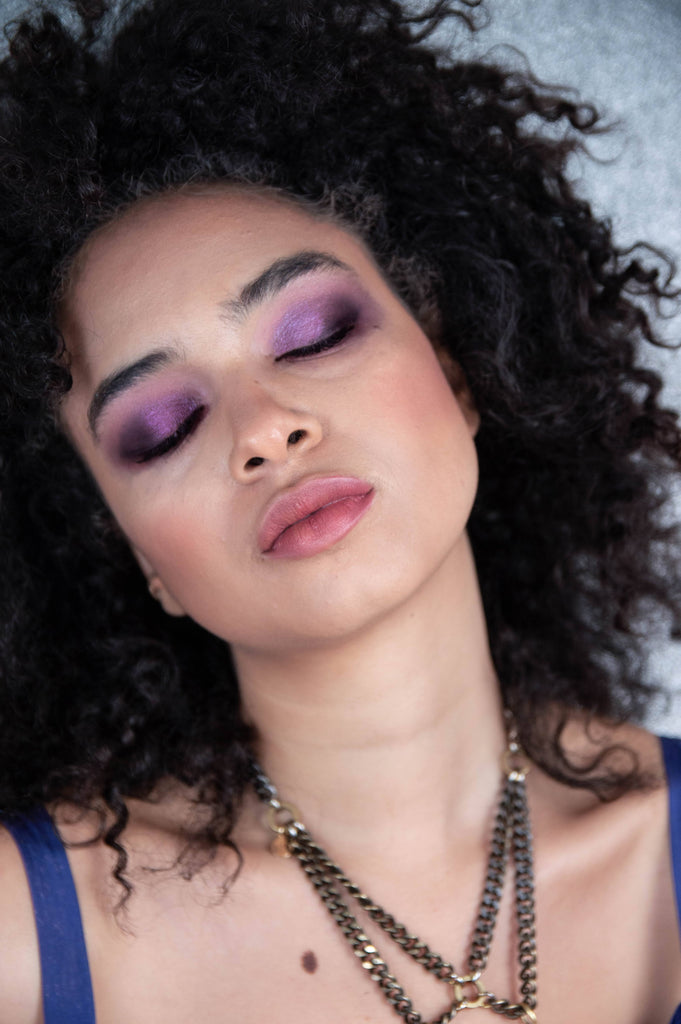 Amethyst-crystal-gemstone-palette-eye-look
