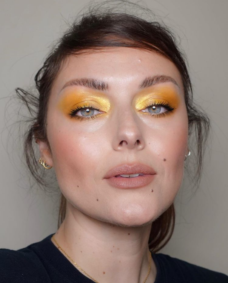 yellow-diamond-highligher-lid-look