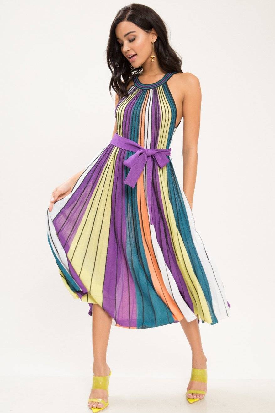 Feel So Good Pleated Midi Dress - Geegeebae