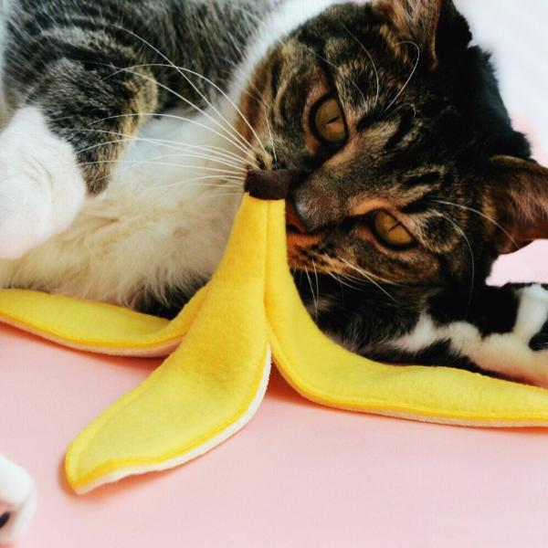 Slippery banana peel catnip toy