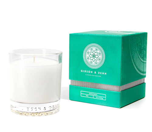 Gibson and Dehn Saratoga Candle- White Tea and Cedar