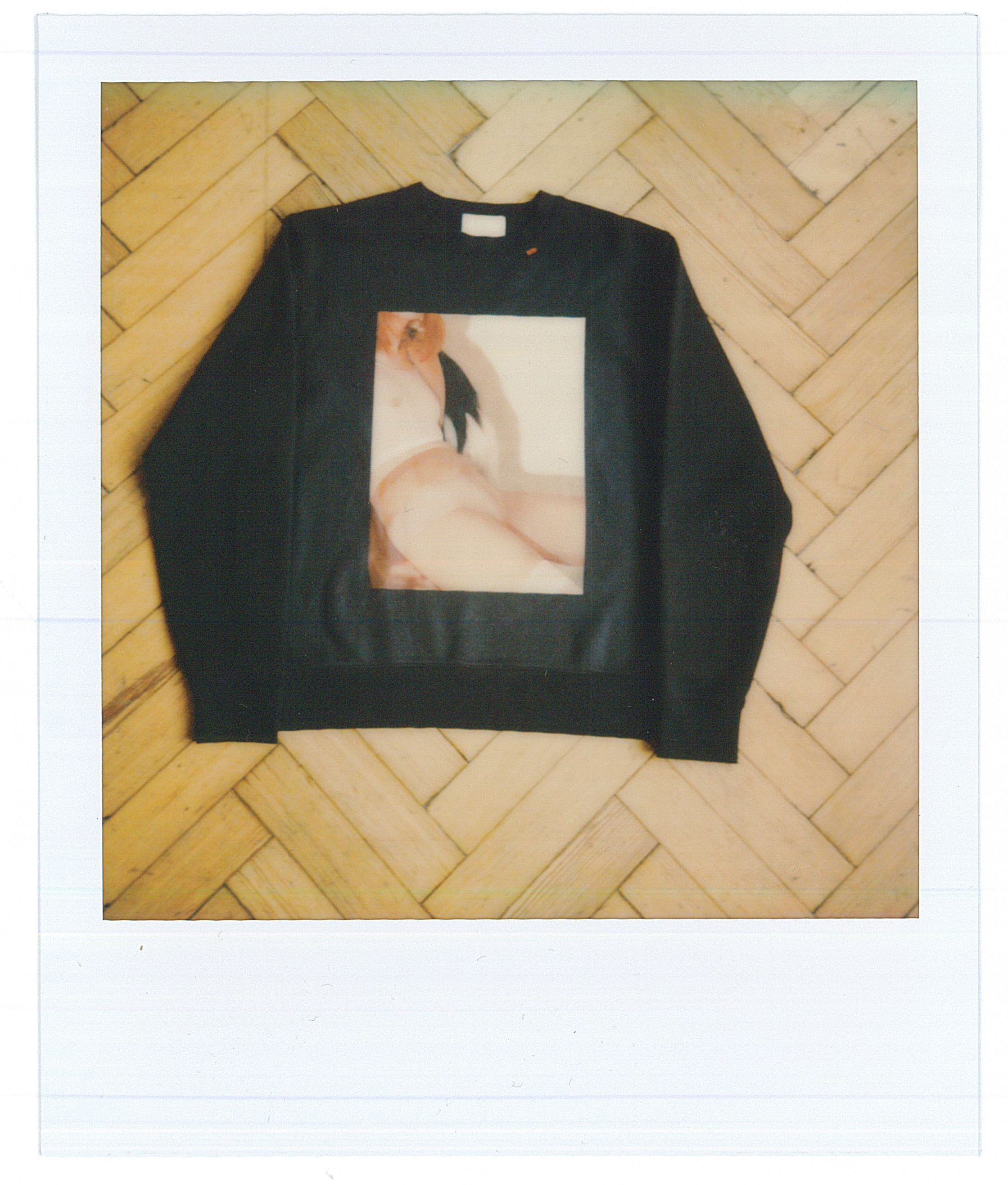 LIMITED EDITION BLACK SWEATSHIRT IMAGE D