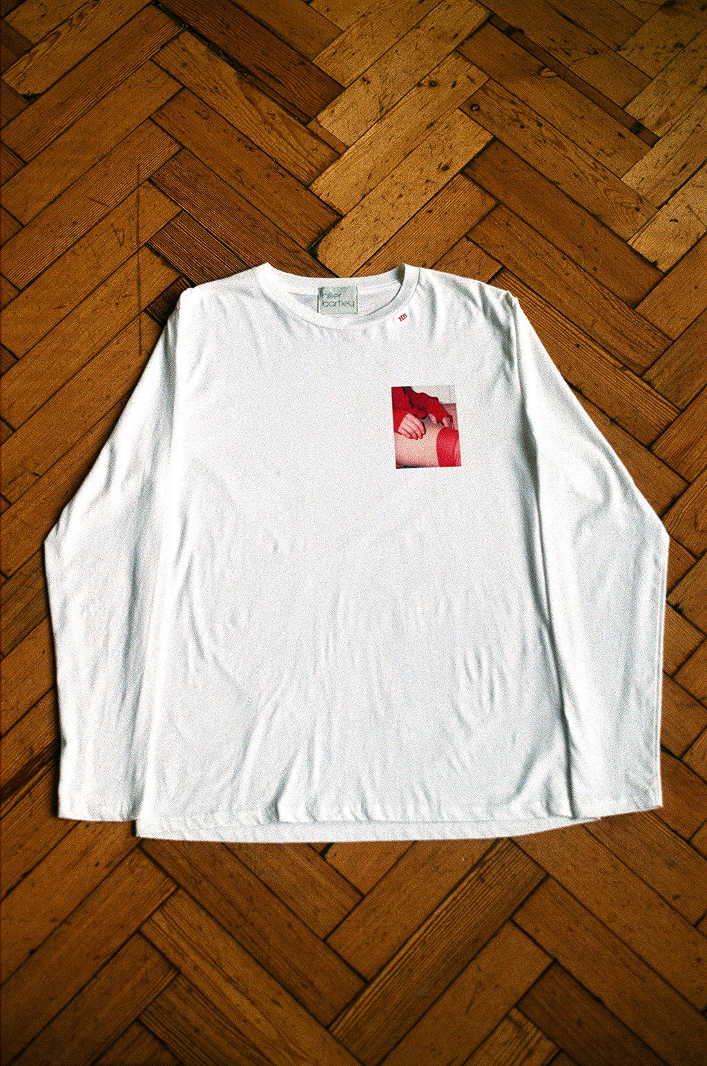 LIMITED EDITION WHITE LONG SLEEVED T-SHIRT IMAGE C SMALL