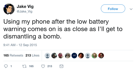 Funny tweet about low battery phones