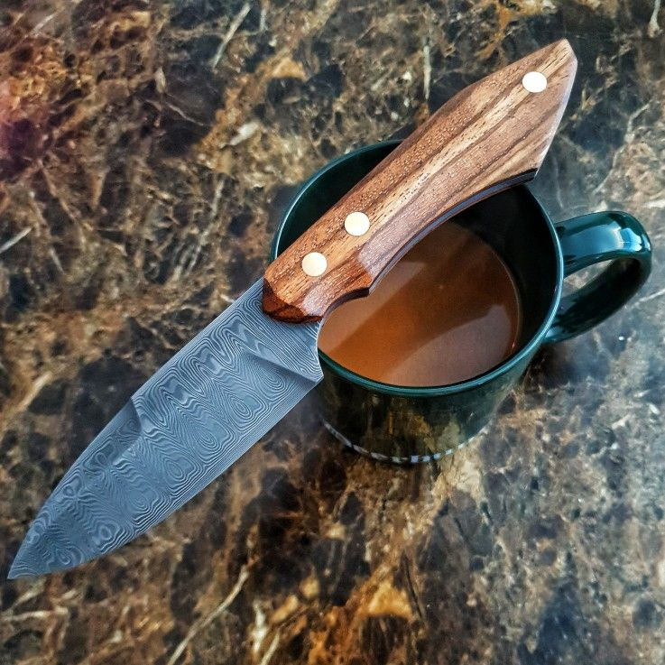 Hunting knife or collectors blade, working on this special knife
