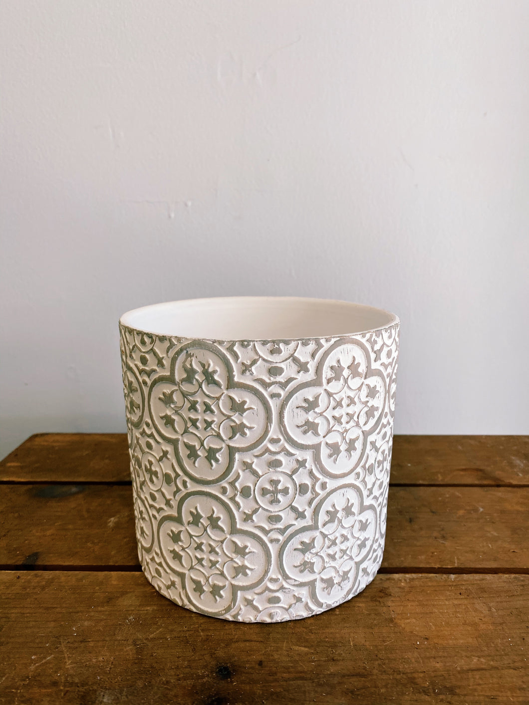 White and Grey Ornate Pot (Assorted Sizes)