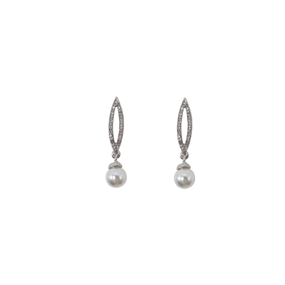 Diamante Pearl Drop Earring Silver