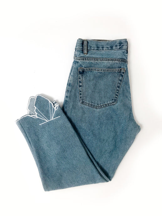 Embroidered Vintage Jean | High-Waisted & Mid-Wash