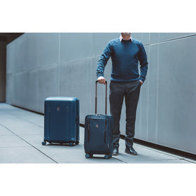 Werks Traveler 6.0 Frequent Flyer Medium Upright Spinner Case