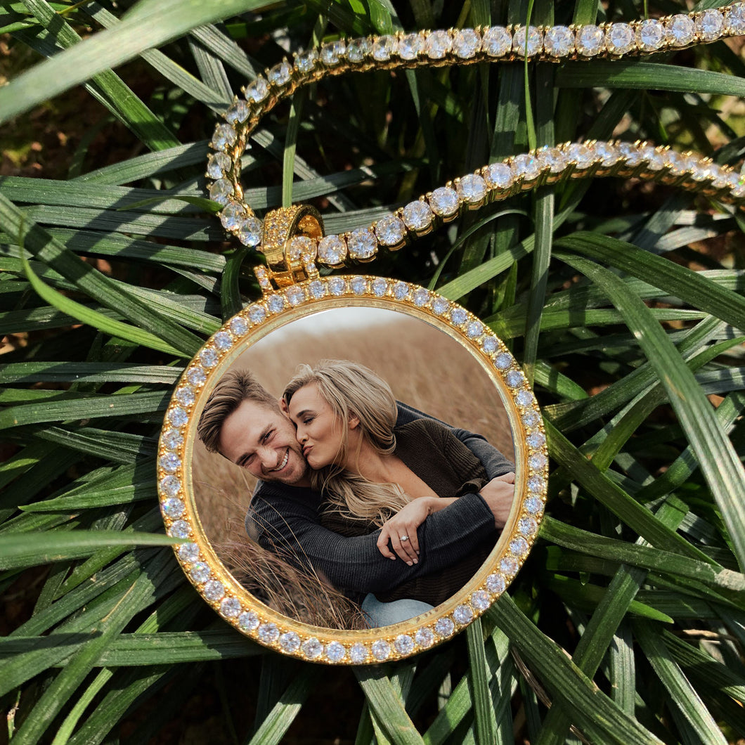 Personalized Photo Medallions Necklace Christmas Gifts 2020