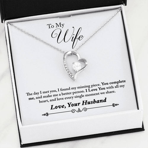 Beautiful LOVE Forever Hear Necklace With Husband to Wife